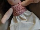 vestitino di filo rosa bambola waldorf