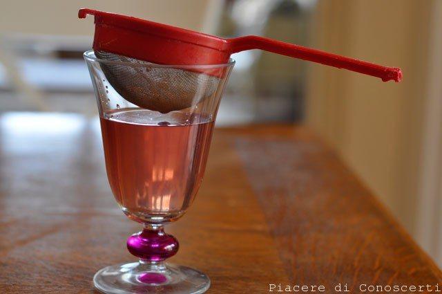acqua di rose fatta in casa