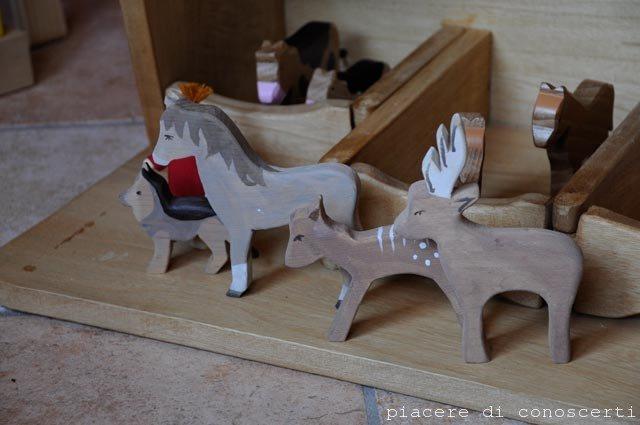 animali in legno fatti a mano