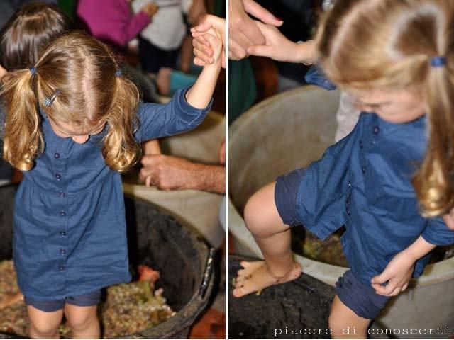 pigiare uva bambini