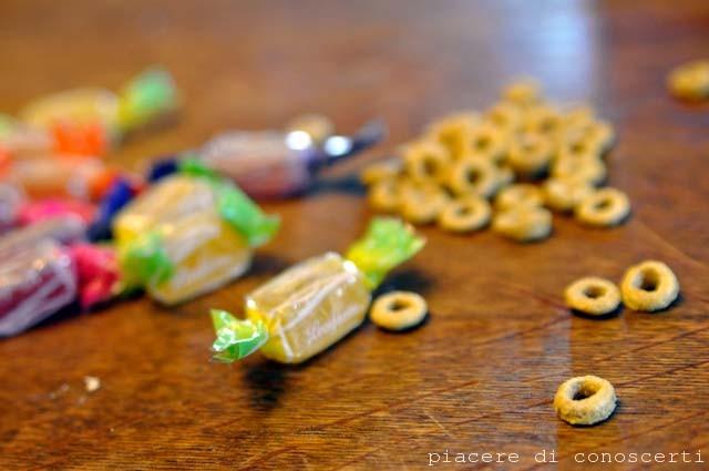 collana dolce con caramelle
