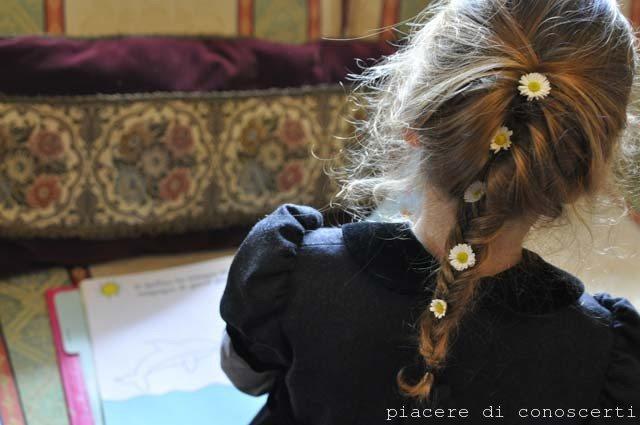treccia bambina fiori freschi