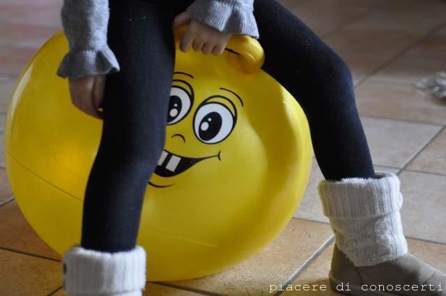 gioco bambini palla salterina