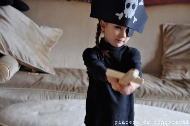 creare maschera pirata