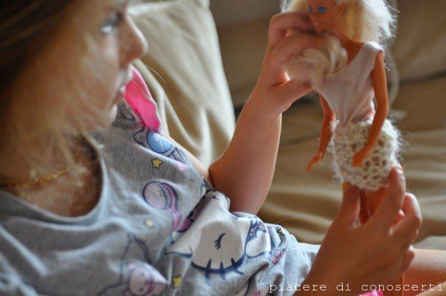 insegnare ai bambini a fare la maglia