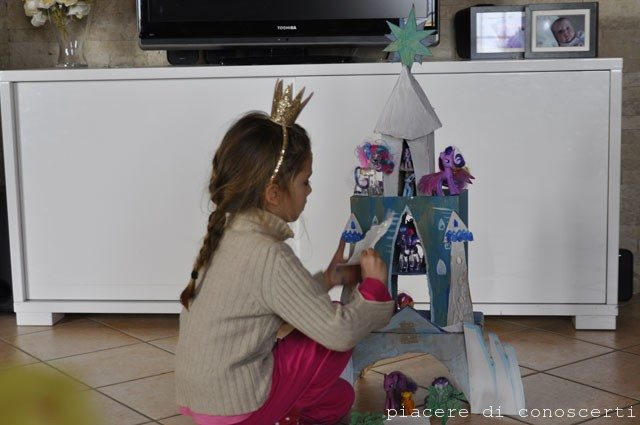 castello di cristallo in cartoncino My little pony