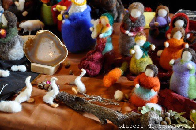 personaggi in lana cardata