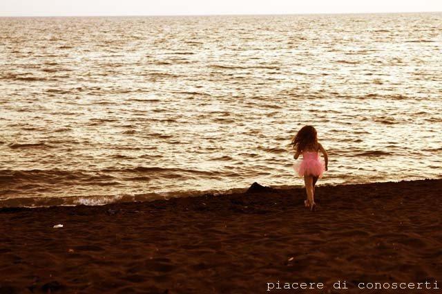 ballerina spiaggia